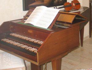チェンバロの鍵盤の画像