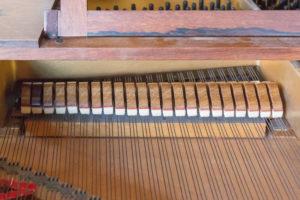ピアノのダンパーの画像