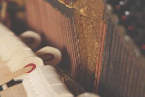 ピアノのハンマーの画像